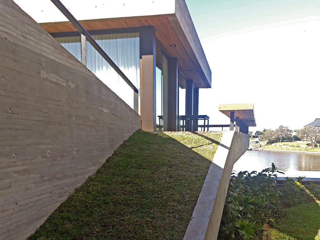 terraza verde inclinada